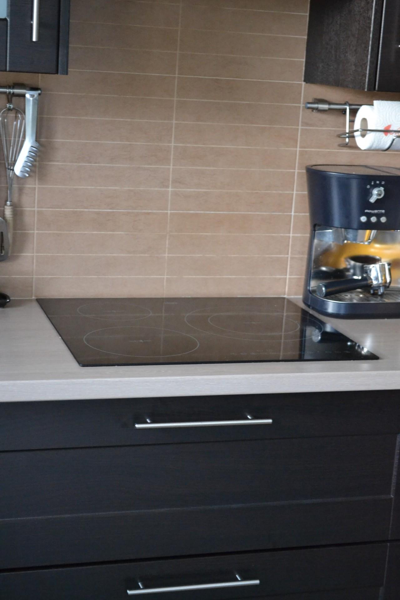 vente de carrelages et fa ence pour la cuisine. Black Bedroom Furniture Sets. Home Design Ideas