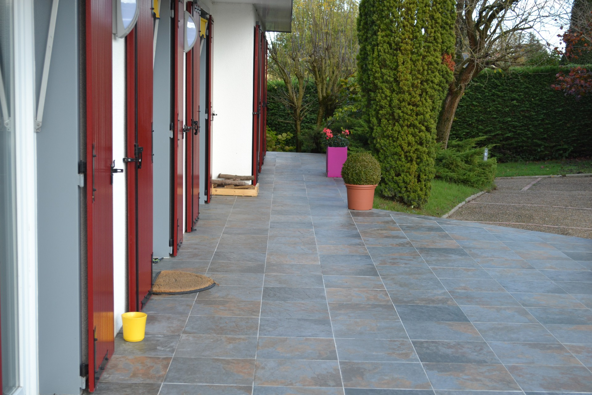 Carrelage design carrelage exterieur terrasse moderne for Carrelage pour terrasse