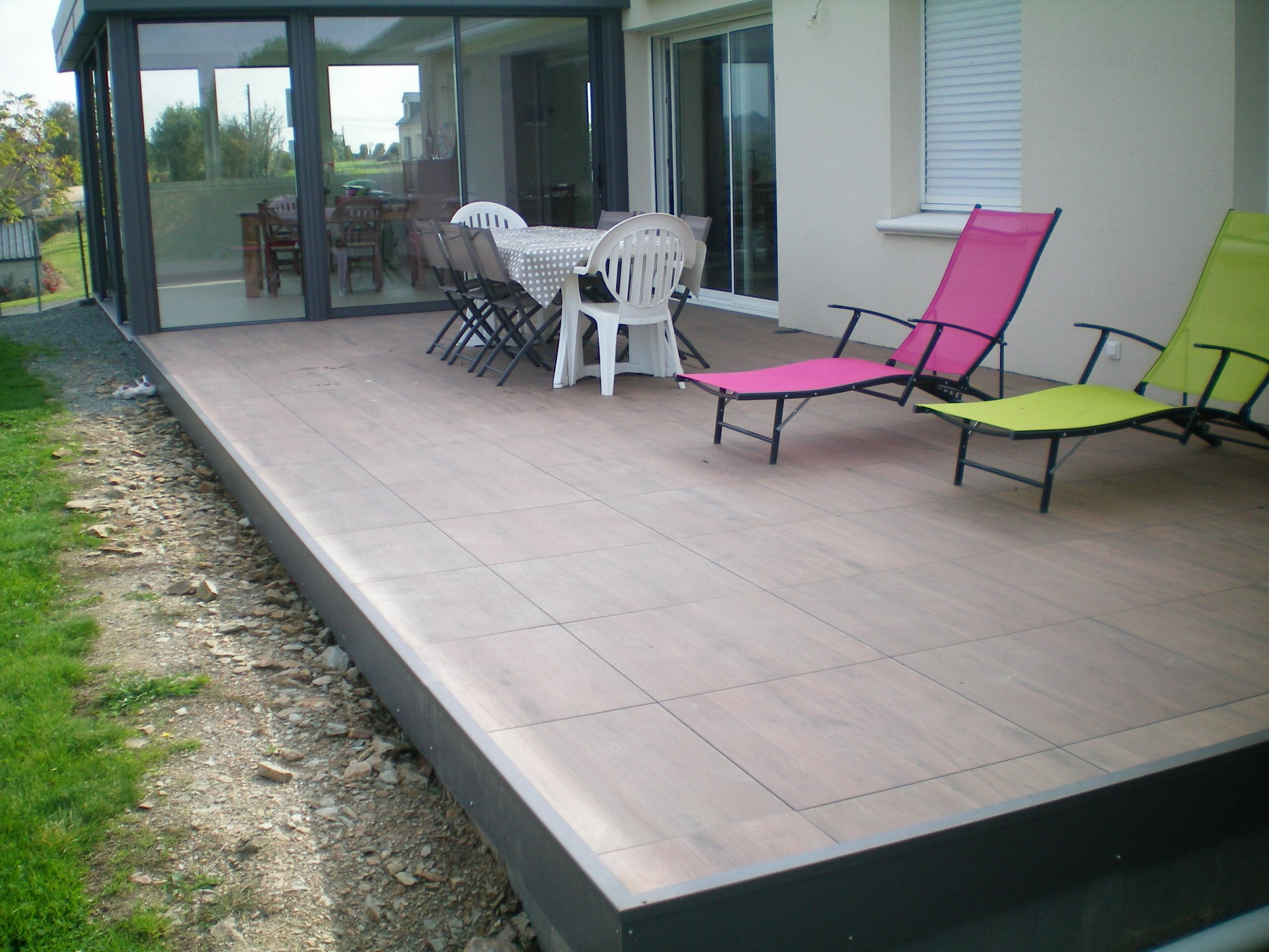 Dalles lini res carrelages angers 49 for Pose carrelage exterieur sur plots