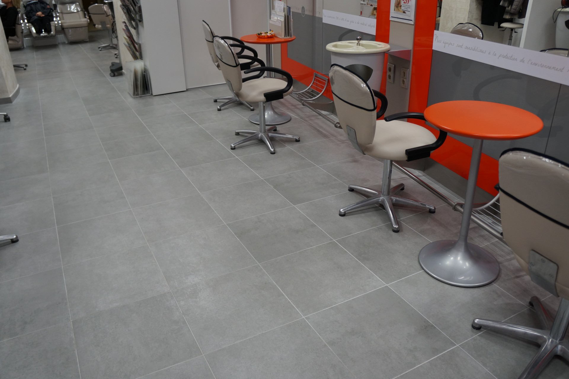 Carrelage salon de coiffure for Carrelage pour salon