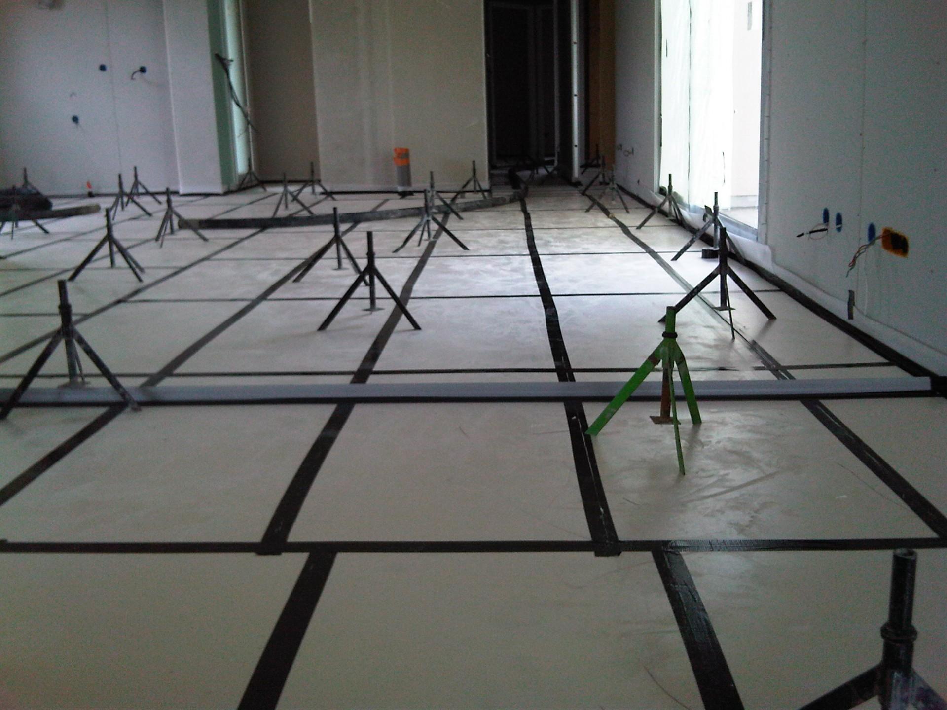 chape fluide lini res carrelages angers 49. Black Bedroom Furniture Sets. Home Design Ideas